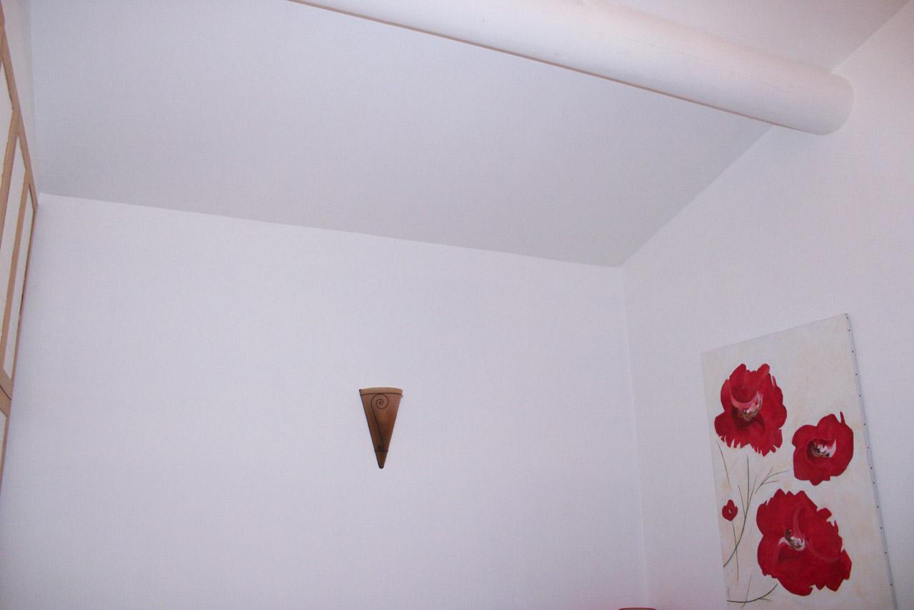 bonnet peiture décoration - photo chantier apres - mur blanc